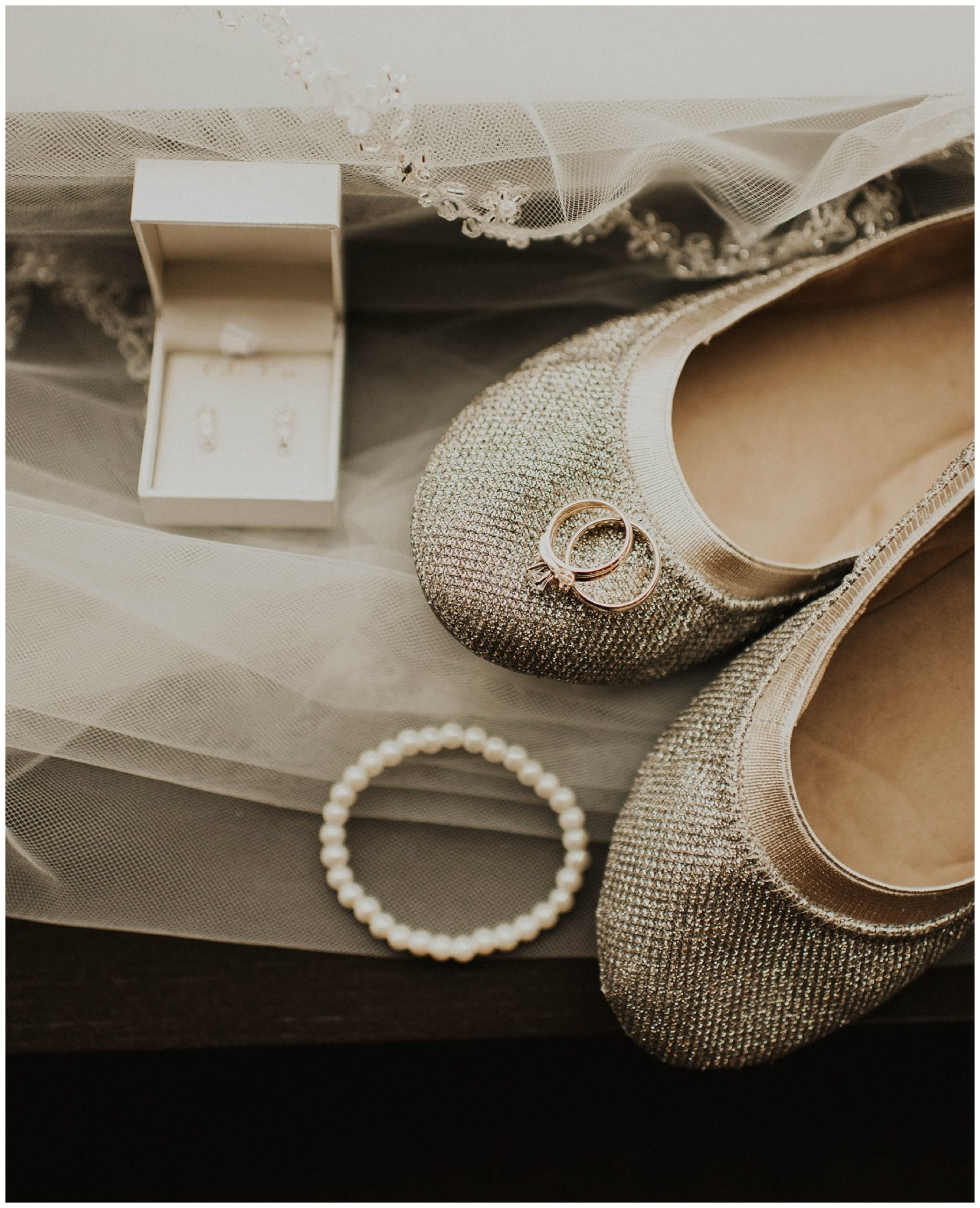 3d3da50fbc47 Johnny + Eliza    Classic Winter Wedding – Lauren F.otography
